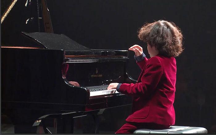 Những điều cần biết trước khi cho bé học piano