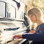 Cách chọn đàn piano cơ cho bé yêu nhà bạn