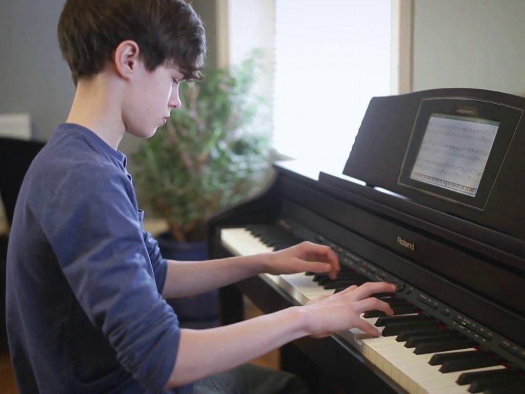 Hướng dẫn tự học chơi đàn piano cơ bản