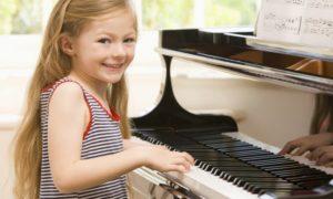 Trẻ nên học đàn piano từ mấy tuổi là tốt nhất?