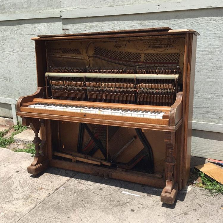 nhung-rui-ro-mua-dan-piano-cu-viet-thuong-shop