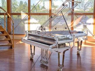 piano-Kayserburg-Crystalh1