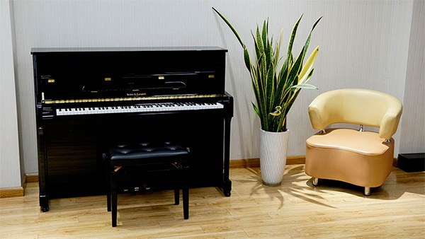 Piano Kohler & Campbell KC115D
